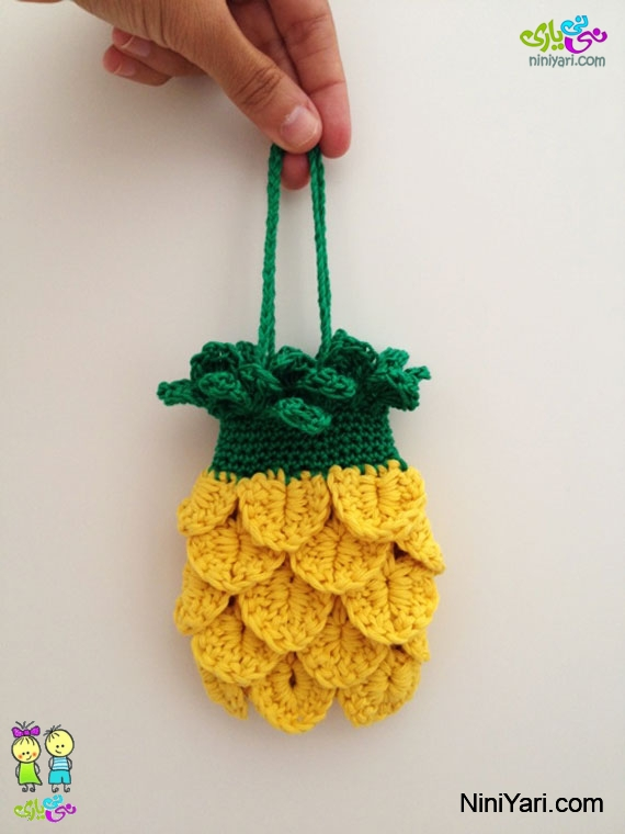 Knitted-bag-mobile-11