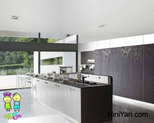 3-Black-white-wallpaper-look-kitchen-cabinets