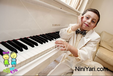 7-year-old Pianist Curtis Elton At Home In
